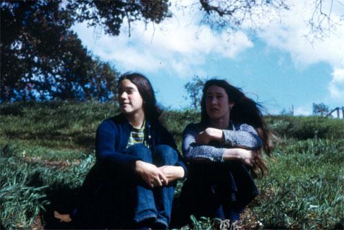 pic-00222-julie-and-cara-02.jpg